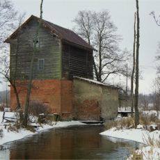 Mlyn-Patryki-przed-przebudowa-zima-2003